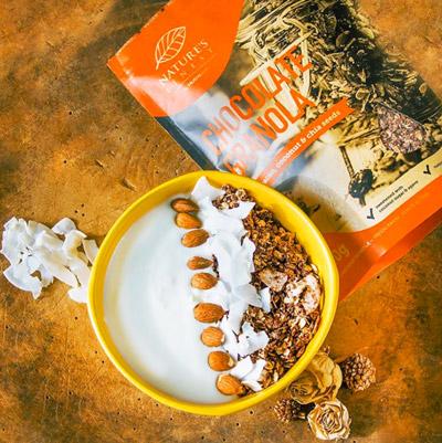 Granola mit Superfoods